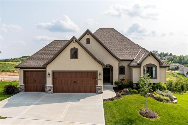 5899 S National Drive, Parkville, MO 64152 (#2126352) :: Edie Waters Network
