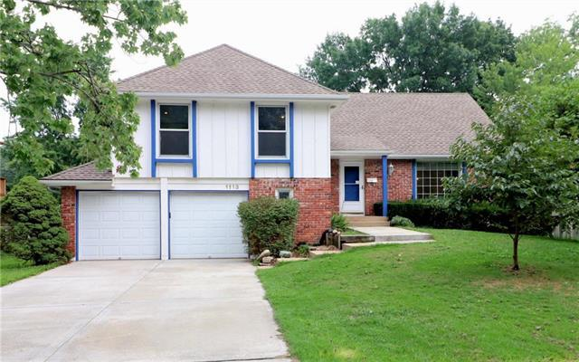1113 Queens Place, Kansas City, MO 64131 (#2126373) :: Edie Waters Network