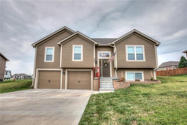 301 NE 193rd Street, Smithville, MO 64089 (#2126395) :: Kansas City Homes