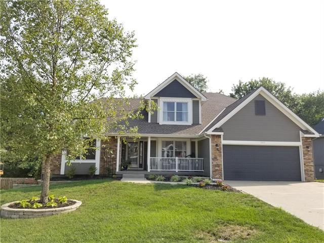 203 Surrey Court, Smithville, MO 64089 (#2126428) :: Edie Waters Network