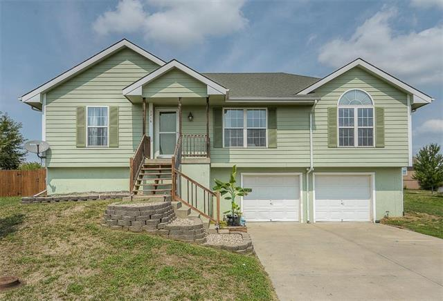 2216 Chanticleer Street, Excelsior Springs, MO 64024 (#2126465) :: Char MacCallum Real Estate Group