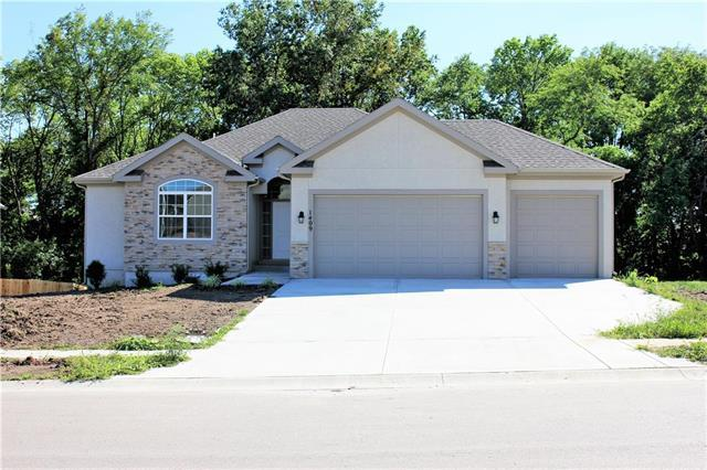 1303 NW 95 Street, Kansas City, MO 64155 (#2126498) :: Team Real Estate