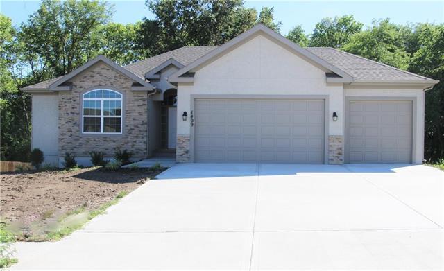 1219 NW 94 Terrace, Kansas City, MO 64155 (#2126501) :: Char MacCallum Real Estate Group