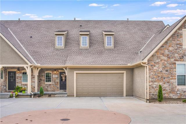 14823 Meadow Lane, Leawood, KS 66224 (#2126553) :: The Shannon Lyon Group - ReeceNichols