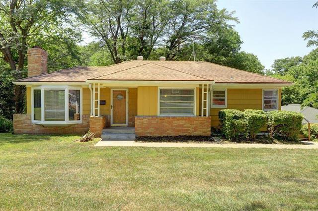 7210 Hullwood Avenue, Kansas City, MO 64133 (#2126646) :: Edie Waters Network