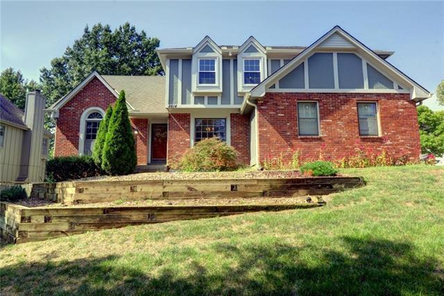 8614 Acuff Lane, Lenexa, KS 66215 (#2126671) :: Kansas City Homes
