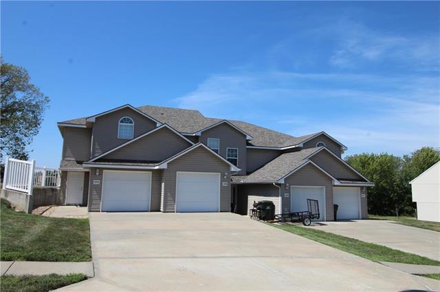 1200 Pebblecreek Drive, Warrensburg, MO 64093 (#2126674) :: Char MacCallum Real Estate Group
