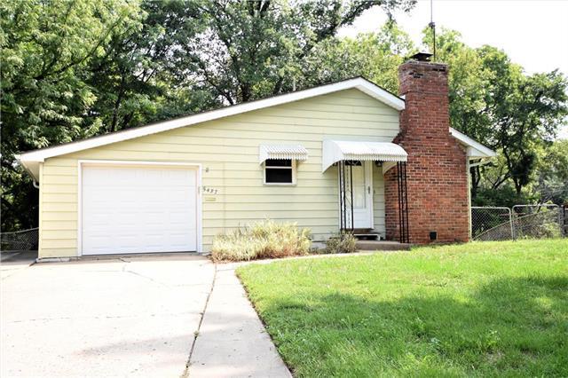 5437 N Askew Avenue, Kansas City, MO 64119 (#2126677) :: Edie Waters Network