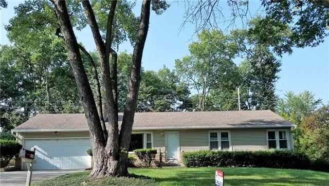 214 NW 43rd Terrace, Kansas City, MO 64116 (#2126713) :: Edie Waters Network