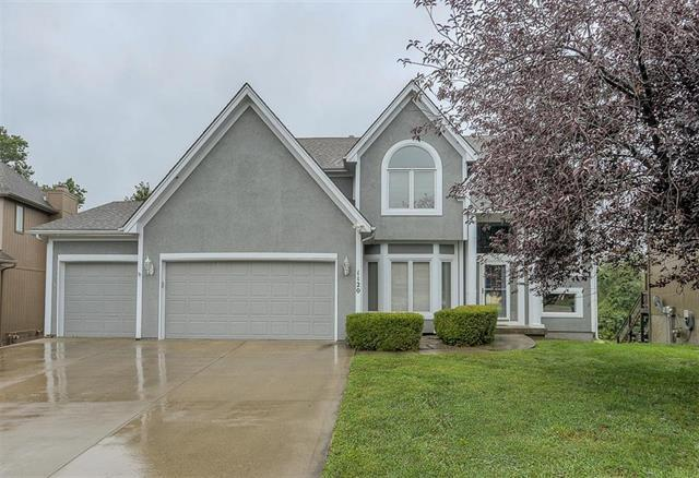 1120 Silverleaf Lane, Liberty, MO 64068 (#2126766) :: House of Couse Group