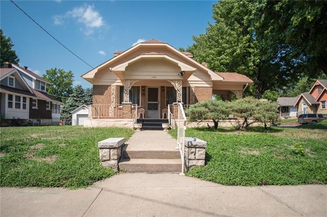1900 Orville Avenue, Kansas City, KS 66102 (#2126837) :: Edie Waters Network