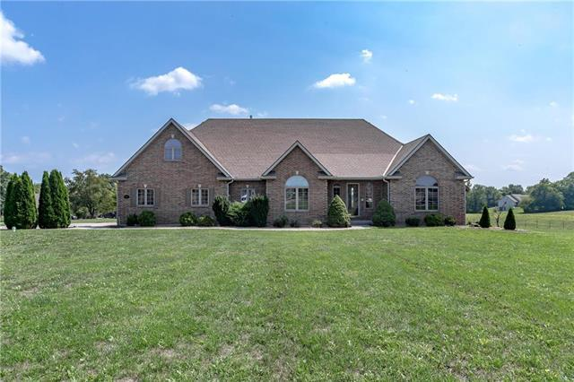14521 Jesse James Farm Road, Kearney, MO 64060 (#2126939) :: Edie Waters Network