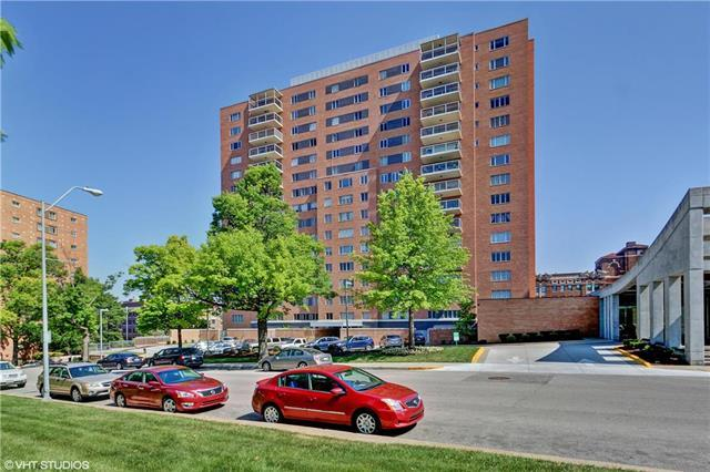221 W 48th Street  #606 N/A, Kansas City, MO 64112 (#2126951) :: No Borders Real Estate