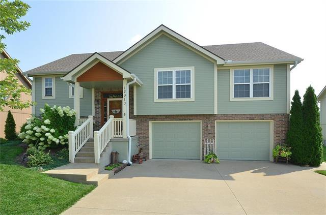 12910 Ridgeview Drive, Platte City, MO 64079 (#2126952) :: Edie Waters Network