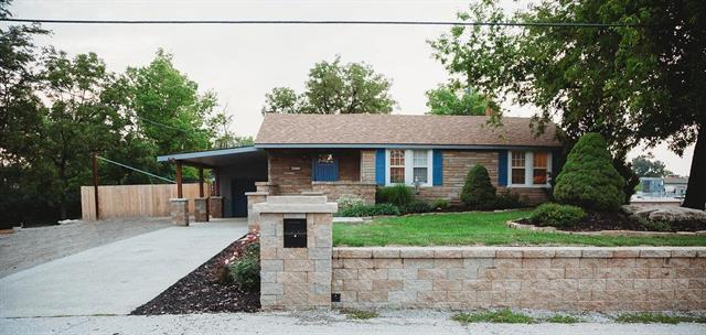 2500 NE 43 Street, Kansas City, MO 64116 (#2127094) :: Edie Waters Network