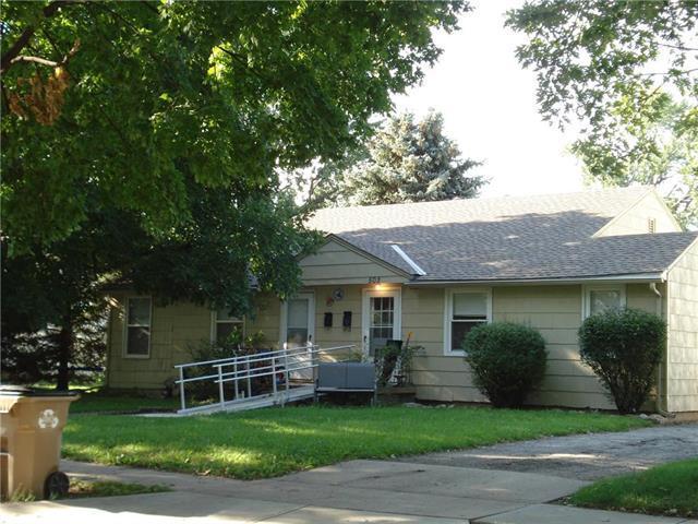500 E 27th Avenue, North Kansas City, MO 64116 (#2127101) :: Edie Waters Network