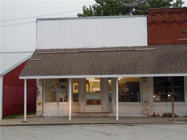 311 Main Street, Garden City, MO 64747 (#2127103) :: Char MacCallum Real Estate Group