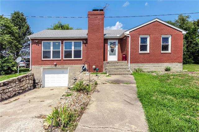 13606 Leavenworth Road, Kansas City, KS 66109 (#2127109) :: Edie Waters Network