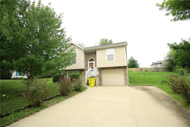 19419 E 13th N Street, Independence, MO 64056 (#2127114) :: The Shannon Lyon Group - ReeceNichols