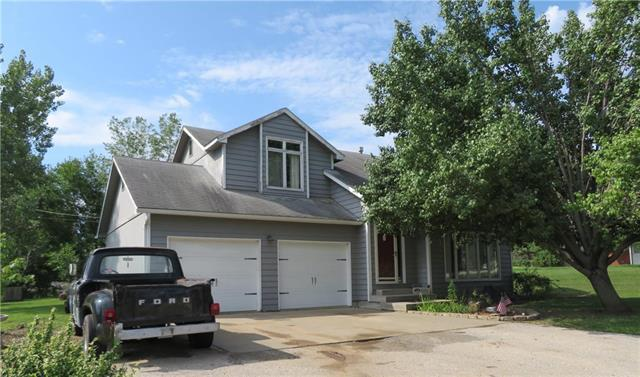 207 Harker Drive, Mclouth, KS 66054 (#2127122) :: No Borders Real Estate