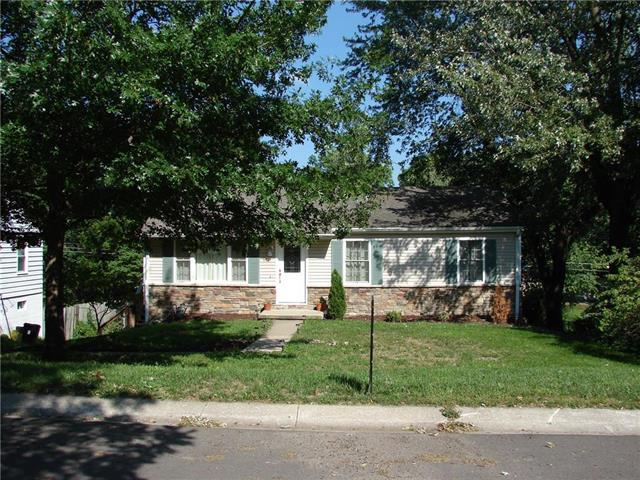 1919 N 31st Street, St Joseph, MO 64506 (#2127207) :: No Borders Real Estate