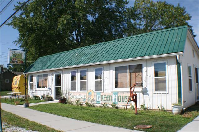 160 N Main Street, Peculiar, MO 64078 (#2127208) :: NestWork Homes