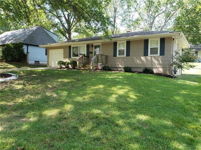 5646 N Tullis Avenue, Kansas City, MO 64119 (#2127243) :: Edie Waters Network