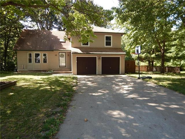 5817 Clark Circle, Kansas City, KS 66106 (#2127297) :: The Gunselman Team