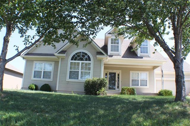 705 Homeland Street, Buckner, MO 64016 (#2127348) :: Edie Waters Network