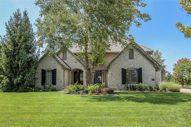 5512 Golden Bear Drive, Overland Park, KS 66223 (#2127384) :: Edie Waters Network