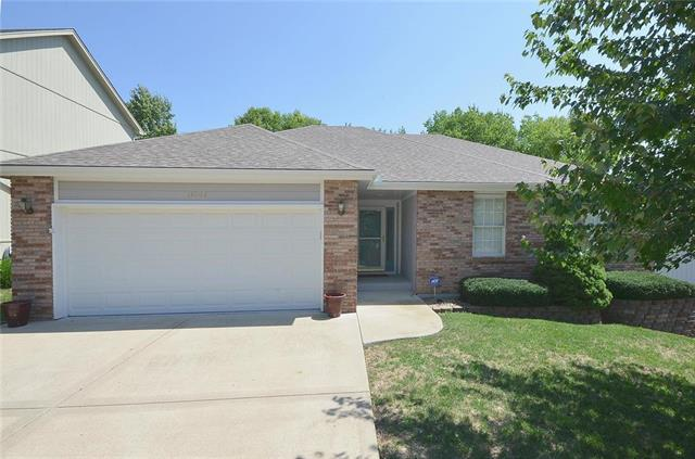 13207 Forest Oaks Drive, Smithville, MO 64089 (#2127431) :: Edie Waters Network