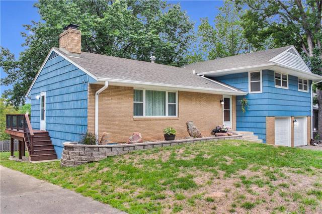 3706 N Grand Avenue, Kansas City, MO 64116 (#2127436) :: Edie Waters Network