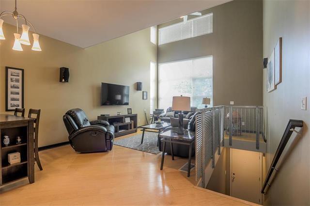 3987 Pennsylvania Avenue, Kansas City, MO 64111 (#2127505) :: Team Real Estate