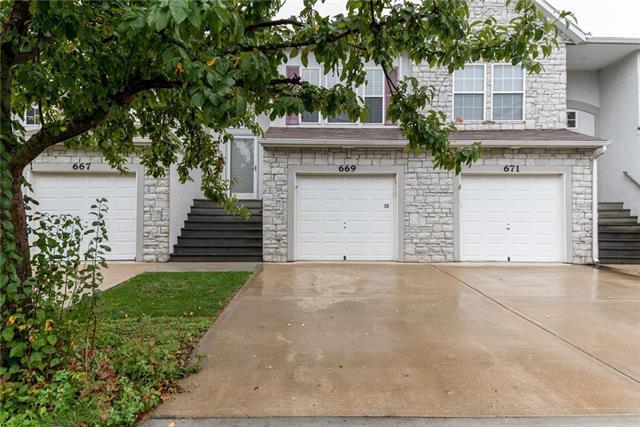 669 S Woodson Lane, Gardner, KS 66030 (#2127533) :: Edie Waters Network