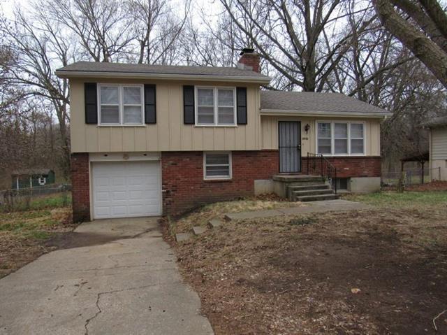 7935 E 100TH Terrace, Kansas City, MO 64134 (#2127544) :: Char MacCallum Real Estate Group