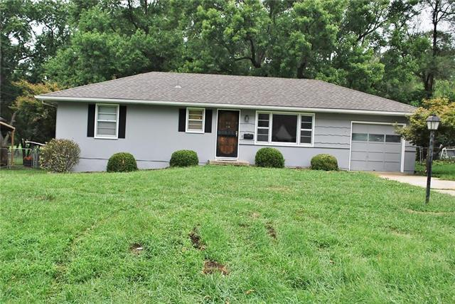 8114 Manning Street, Raytown, MO 64138 (#2127559) :: NestWork Homes