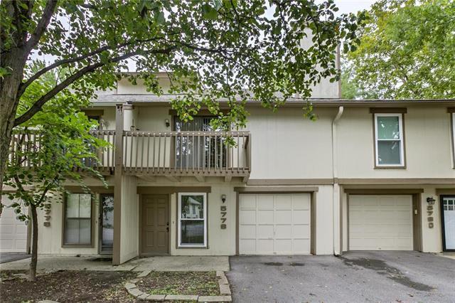 5778 N Anita Avenue, Kansas City, MO 64151 (#2127586) :: Char MacCallum Real Estate Group