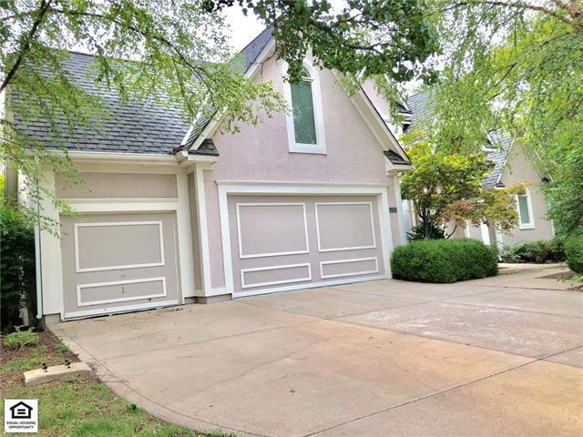 4980 W 131st Place, Leawood, KS 66209 (#2127656) :: Edie Waters Network