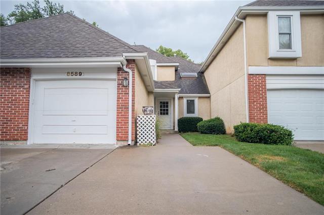 8589 Hauser Court, Lenexa, KS 66215 (#2127658) :: NestWork Homes