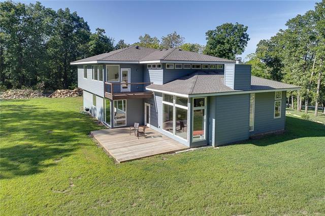 6411 SE Taylor Road, Blue Springs, MO 64014 (#2127779) :: Team Real Estate
