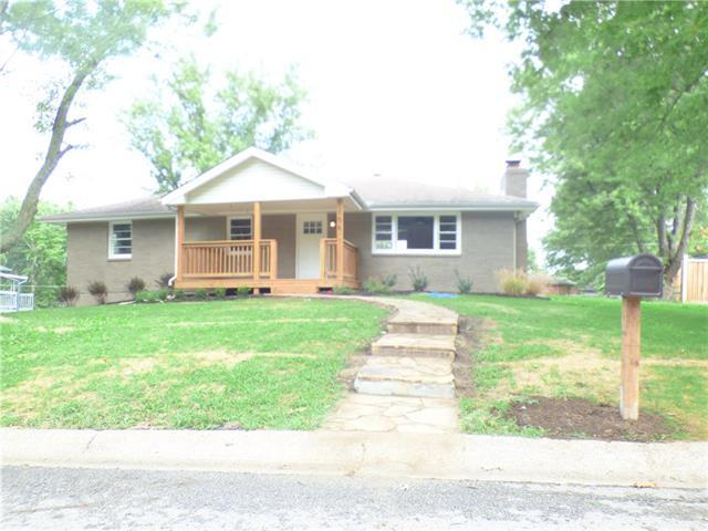 106 Fine Street, Excelsior Springs, MO 64024 (#2127790) :: Edie Waters Network