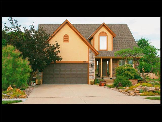 4407 SW Creekview Drive, Lee's Summit, MO 64082 (#2127856) :: Edie Waters Network