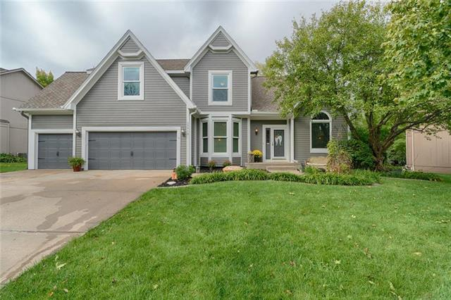 13810 S Blackfoot Drive, Olathe, KS 66062 (#2127956) :: Edie Waters Network