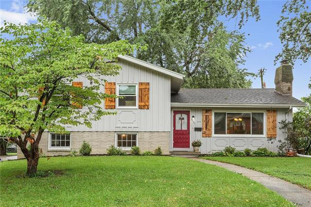 3501 W 49TH Street, Roeland Park, KS 66205 (#2127970) :: Char MacCallum Real Estate Group
