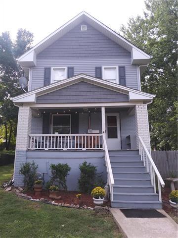 102 S Hedges Street, Sugar Creek, MO 64054 (#2128101) :: Char MacCallum Real Estate Group