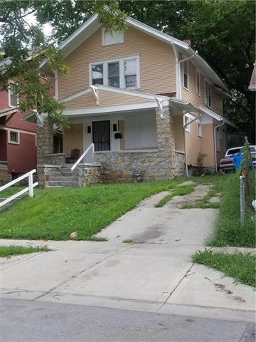 3703 S Benton Avenue, Kansas City, MO 64128 (#2128108) :: Edie Waters Network