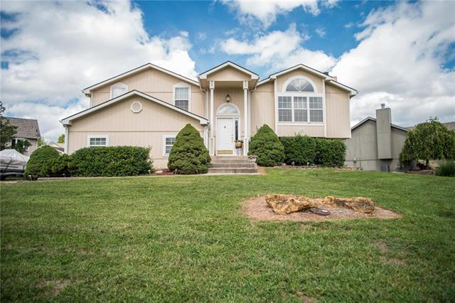 304 SW Creek Ridge Drive, Grain Valley, MO 64029 (#2128198) :: Edie Waters Network