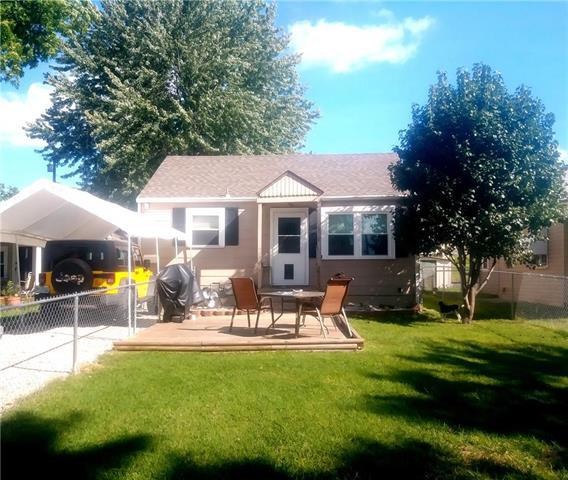 10718 E 19th Terrace, Independence, MO 64052 (#2128235) :: Edie Waters Network