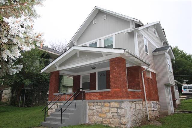 5206 Woodland Avenue, Kansas City, MO 64110 (#2128314) :: Edie Waters Network