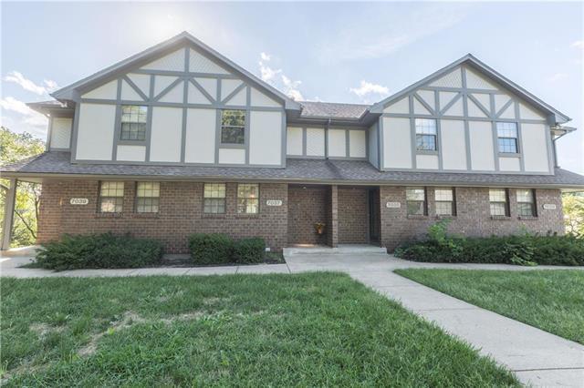 7037 N Fisk Court, Kansas City, MO 64151 (#2128316) :: Dani Beyer Real Estate